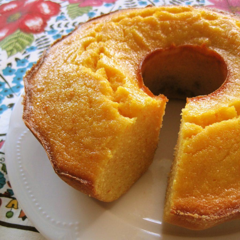 Creamy cornmeal cake