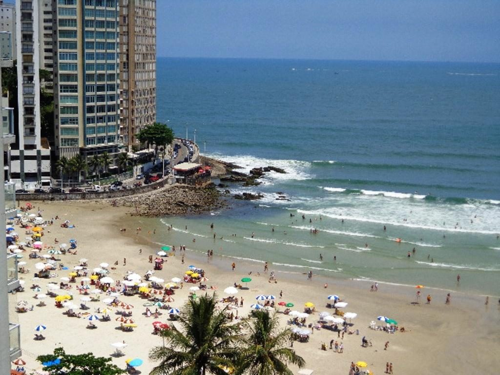 Beach Pitangueiras Guaruja