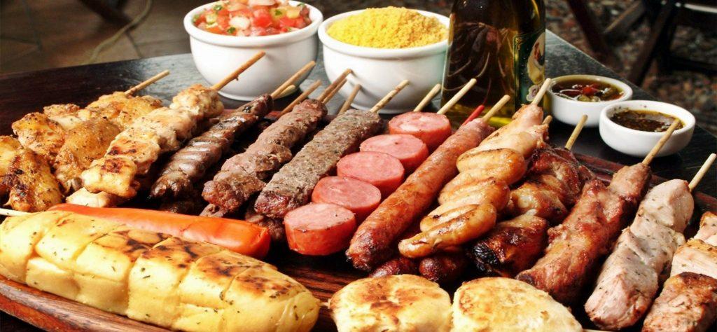 espetinho de carne churrasco brazilian food